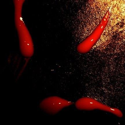 milyen vörös viszkető foltoktól a lábakon vörös foltok a fején, mint kezelni